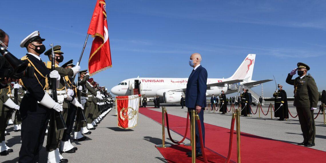 رئيس الجمهورية يغادر تونس في اتجاه قطر