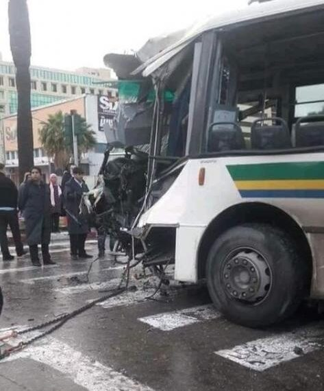 اصابة 20 شخصا في حادث اصطدام حافلتين بشارع محمد الخامس