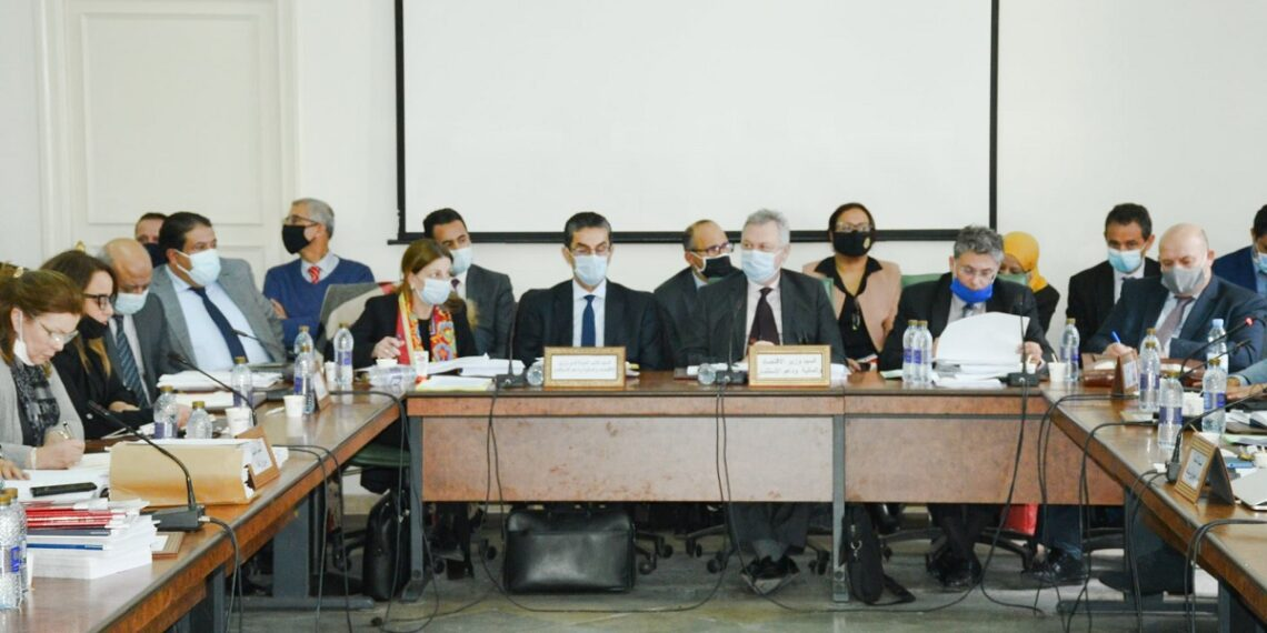 لجنة المالية تصادق على تقريرها المتعلق بمشروعي ميزانية الدولة وقانون المالية لسنة 2021