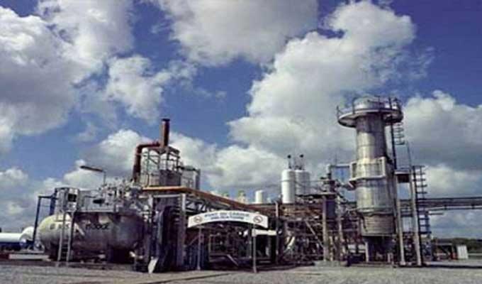 قابس: اعتصام مفتوح للعاطلين عن العمل يمنع عمال المجمع الكيميائي من الالتحاق بعملهم