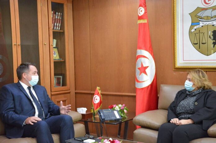 الشركة البريطانية للنفط ATOG تعتزم تطوير استثماراتها في تونس
