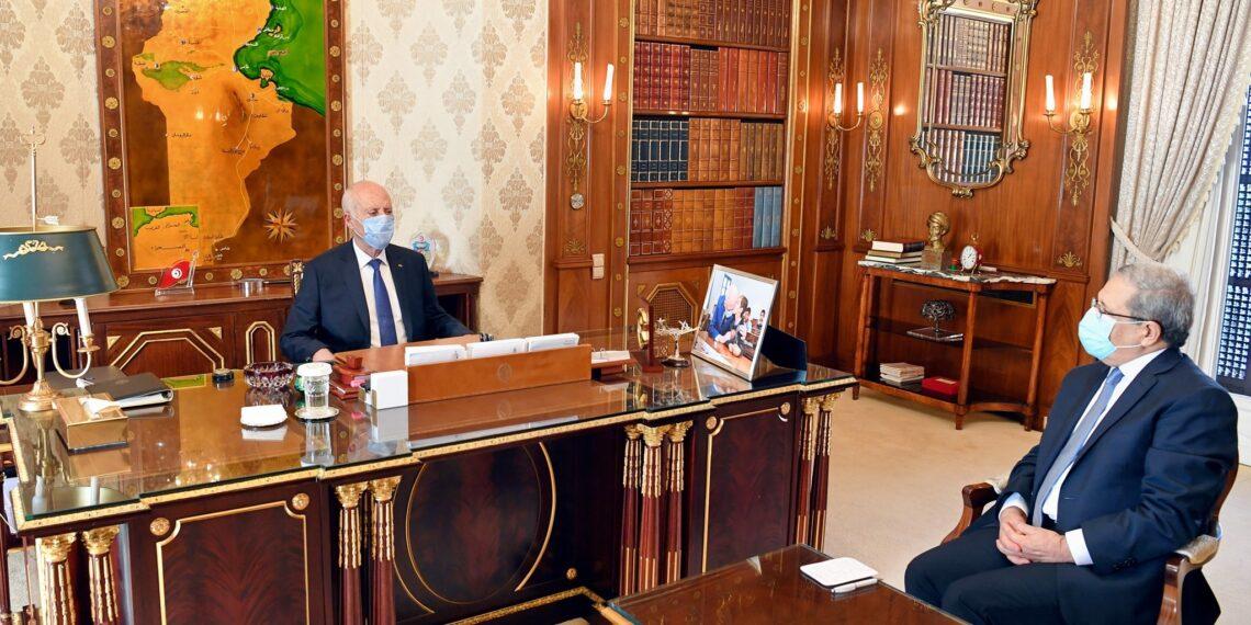 قيس سعيّد يطلع على تحضيرات الحوار الليبي الذي ستحتضنه تونس