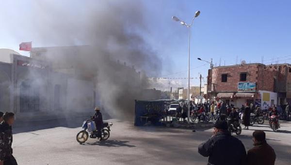 محتجون يُغلقون منشآت شركة فسفاط قفصة في الرديف