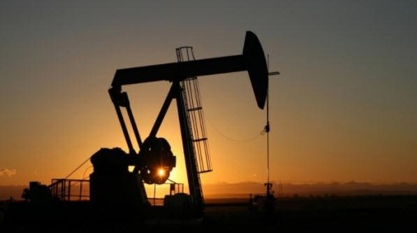 """محتجون يغلقون مضخة البترول التابعة لشركة """"سيربت"""" بالقصرين"""