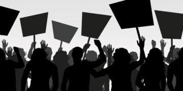 """هشام المشيشي :""""زمن التعاطي الامني مع الاحتجاجات ولى و انتهى """""""