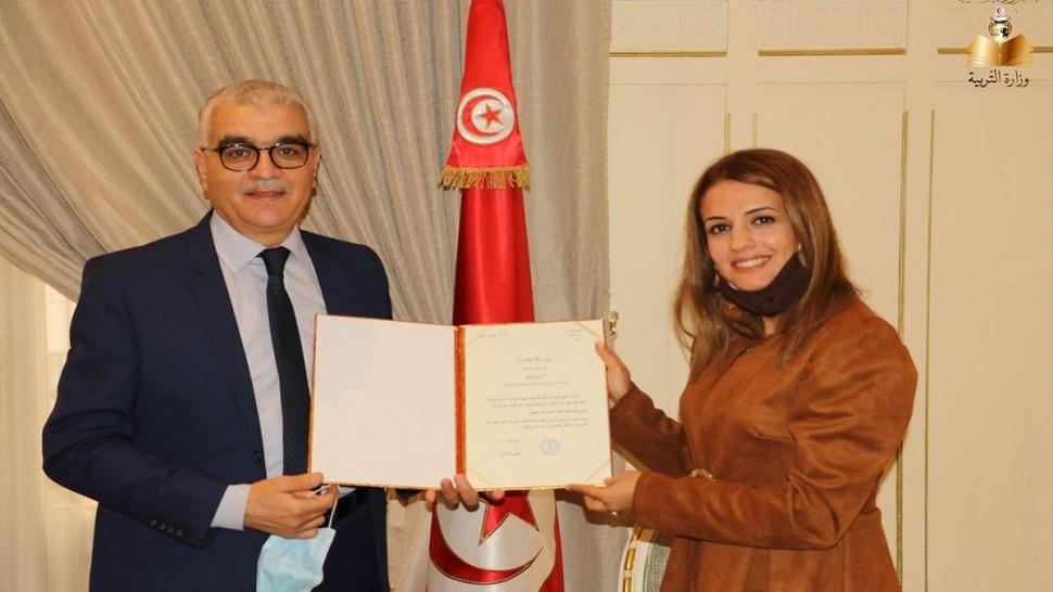 تتويج معلمة تونسية بجائزة أفضل معلم في العالم