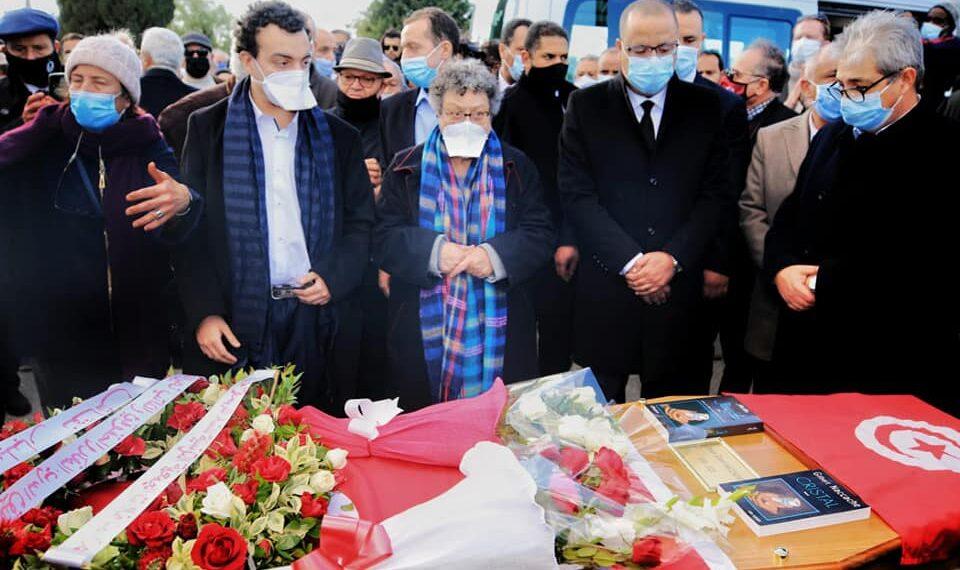 رئيس الحكومة يحضر موكب دفن الفقيد جيلبار نقاش (صور)
