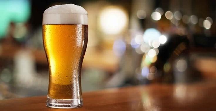 الترفيع في معلوم الاستهلاك الموظف على المشروبات الكحولية