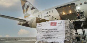 من بينها أجهزة تنفس ..الإمارات ترسل مساعدات طبية الى تونس