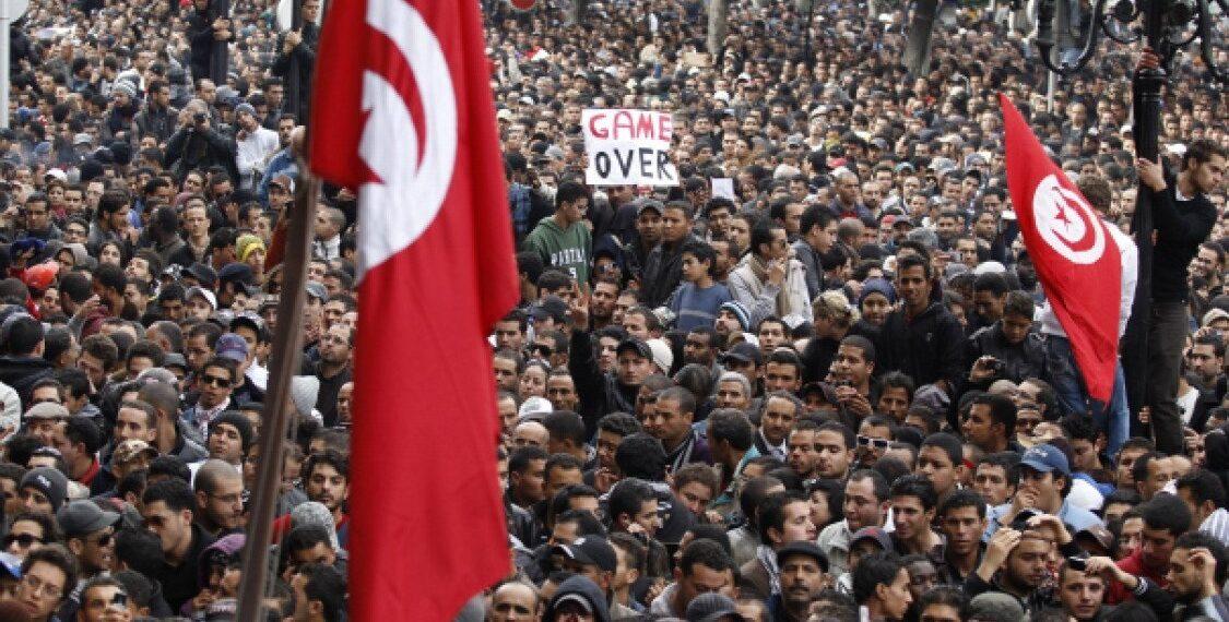 67 بالمائة من التونسيين يعتبرون أن الوضع في تونس أسوء ممّا كان عليه