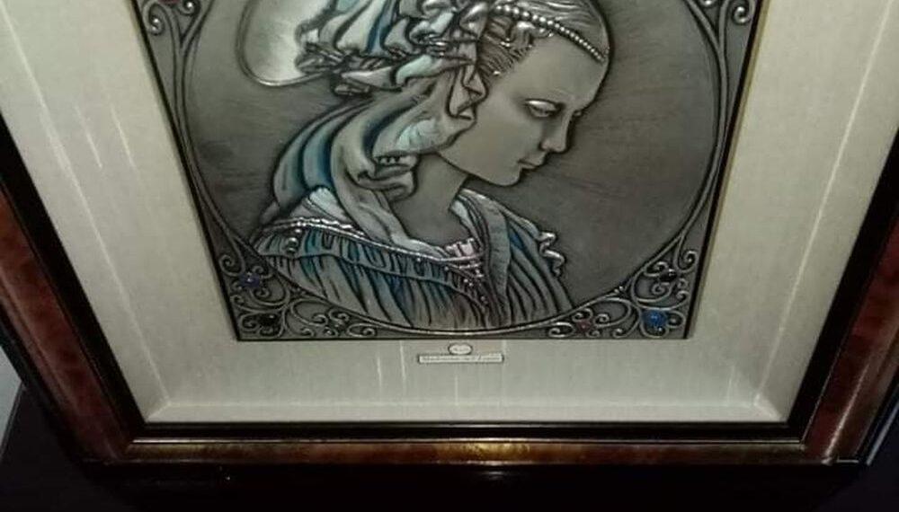 سوسة:العثور على لوحة فنية نادرة مرصعة بالأحجار الكريمة
