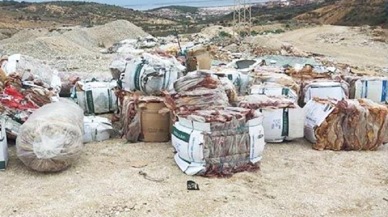 العثور على كمية كبيرة من النفايات في روّاد: وزارة الشؤون المحلية توضّح