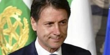 رئيس وزراء إيطاليا يقدم استقالة حكومته قريبا