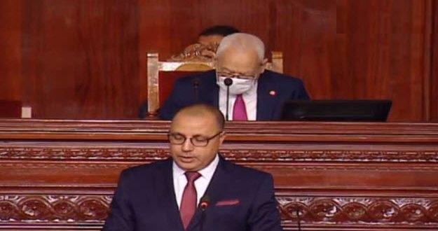 """رئيس الحكومة: """"ما لم يتحقق الاستقرار السياسي لن تخرج تونس من الازمة"""""""