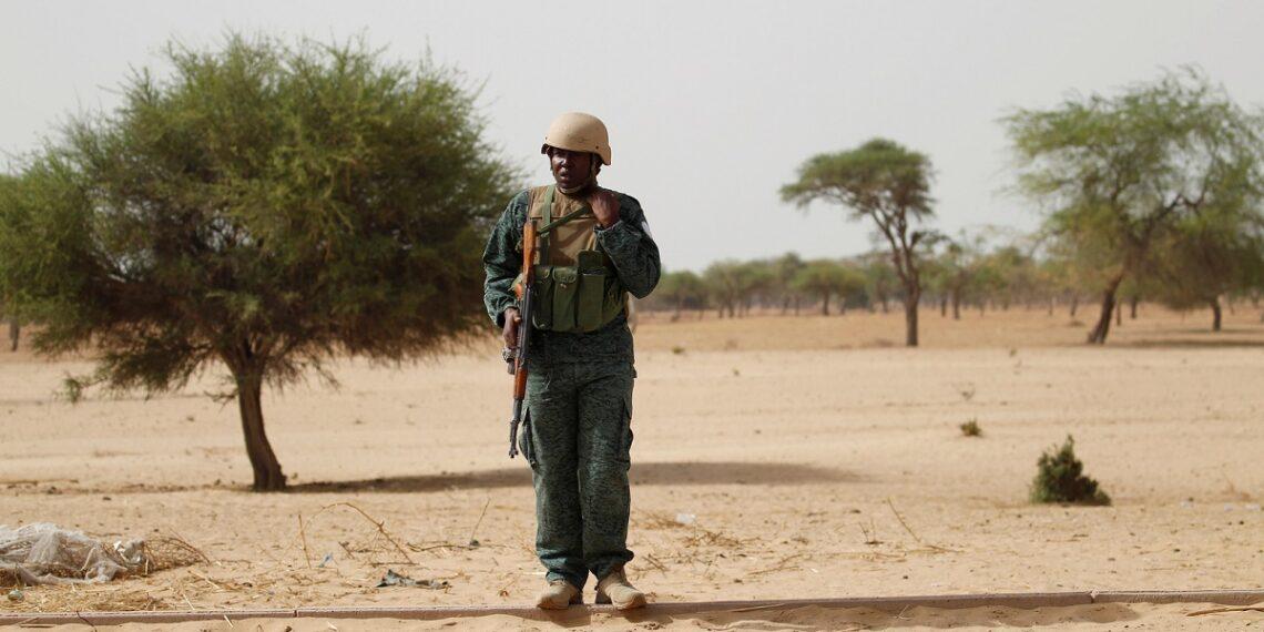 النيجر: 100 قتيل بهجمات على قريتين عند حدود مالي