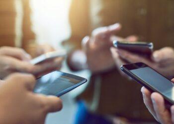 قرارات جديدة لتنظيم توريد استيراد الهواتف الجوالة… كيف ستكون الأسعار في تونس؟