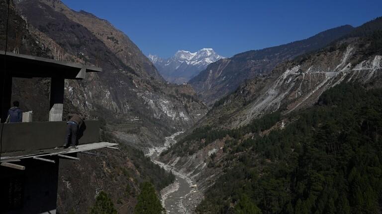 إرتفاع حصيلة ضحايا حادث انهيار كتلة جليد في الهند إلى 62 قتيلا