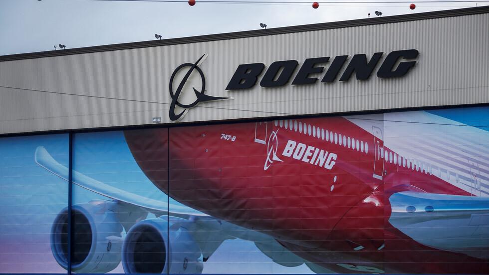 بوينغ توصي بتعليق تحليق طائرات 777