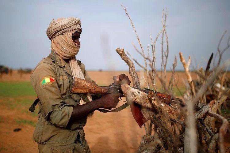 مقتل 10 جنود في هجوم مسلح وسط مالي