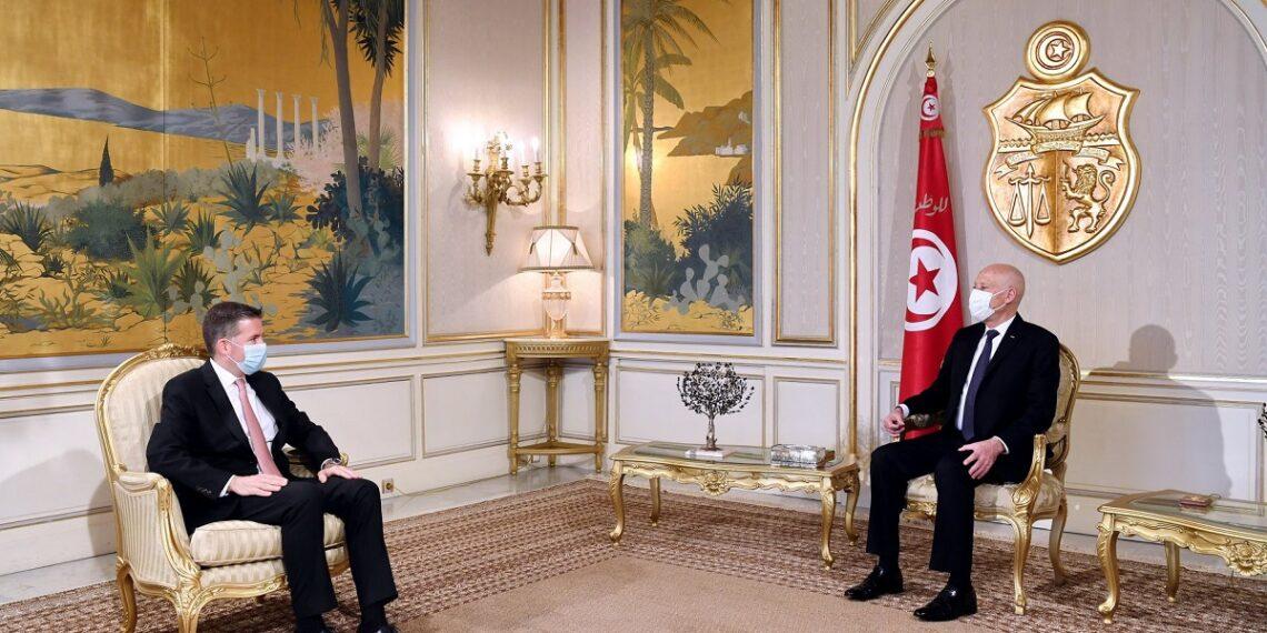 قيس سعيّد يلتقي السفير التركي بتونس