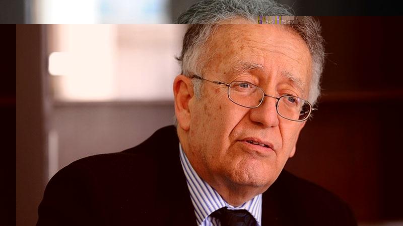 """عياض بن عاشور: """"رئيس الجمهورية ليس له السلطة التقديرية وعليه قبول أداء اليمين"""""""