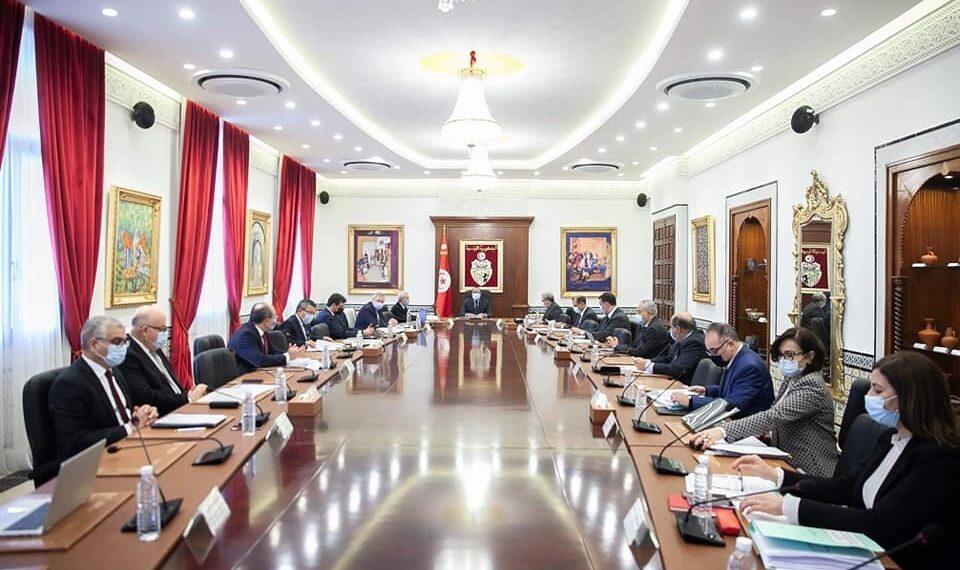 مجلس الوزراء يصادق على جملة من مشاريع القوانين والاوامر الحكومية