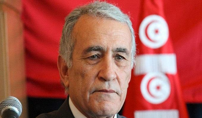 """ناشط سياسي:"""" تونس في خطر و السلط الثلاث دخلت في مرحلة الاقتتال"""""""