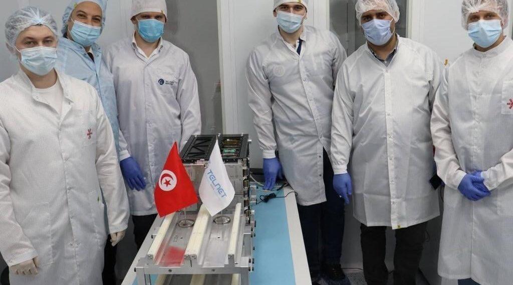 تسليم القمر الصناعي التونسي رسميا إلى الشركة الروسية المتعهدة بالإطلاق