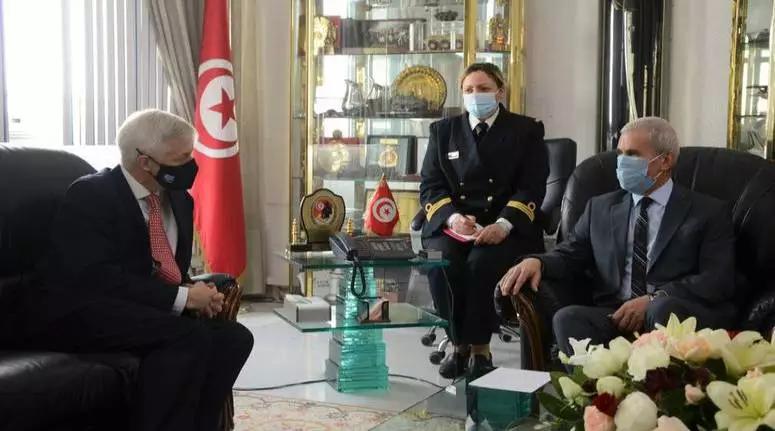 التعاون العسكري بين البلدين محور لقاء بين وزير الدفاع وسفير أكرانيا بتونس