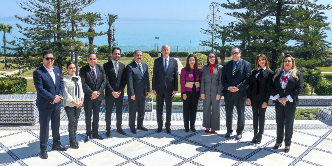 قيس سعيد يلتقي وفدا عن نقابة الفنانين التونسيين