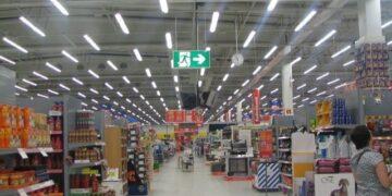 3450 مليون دينار رقم معاملات المساحات التجارية الكبرى في تونس