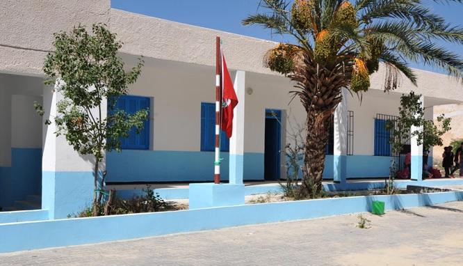 """الإدارة الجهوية للتعليم بالمهدية :"""" ضبطنا مُعلّمين بلباس طائفي في مدرسة ابتدائية """""""