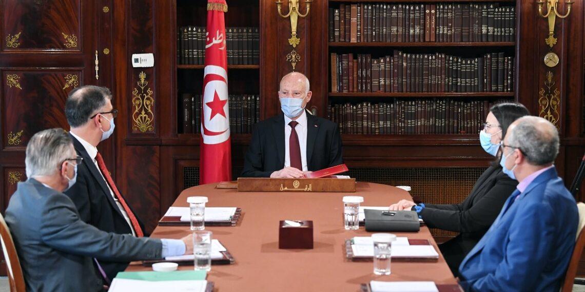 المحكمة الدستورية محور لقاء قيس سعيّد بعدد من أساتذة القانون