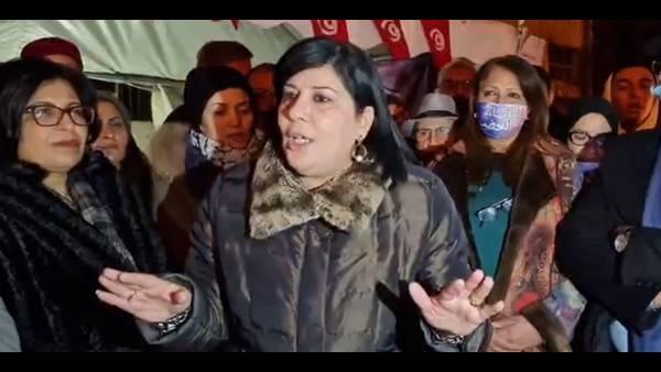 فض اعتصام الدستوري الحر أمام فرع اتحاد العلماء المسلمين