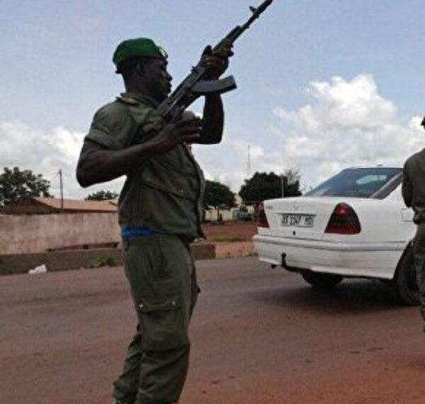 مالي: قتلى وجرحى في كمين نصبه مسلحون لوحدة عسكرية