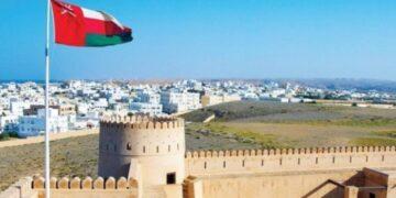 سلطنة عمان توقع اتفاق قرض بقيمة 2,2 مليار دولار