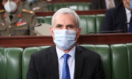 وزير الدفاع يتغيب عن جلسة استماع في البرلمان