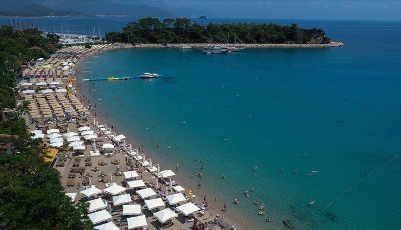 2,5 مليار دولار عائدات السياحة التركية في الربع الأول 2021