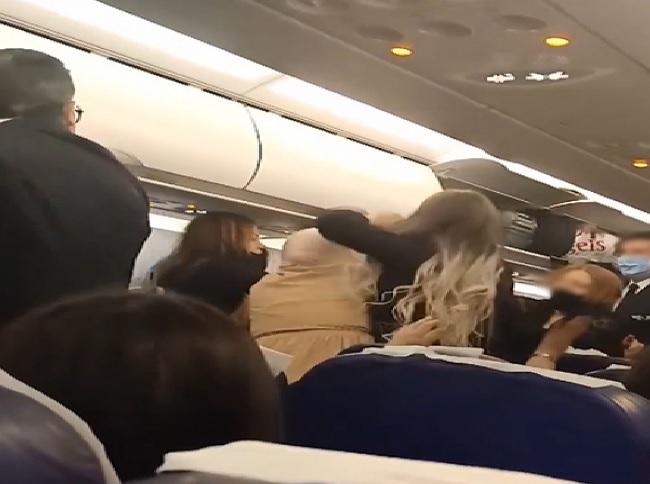 شجار على متن طائرة تونيسار: الشركة تفتح تحقيقا