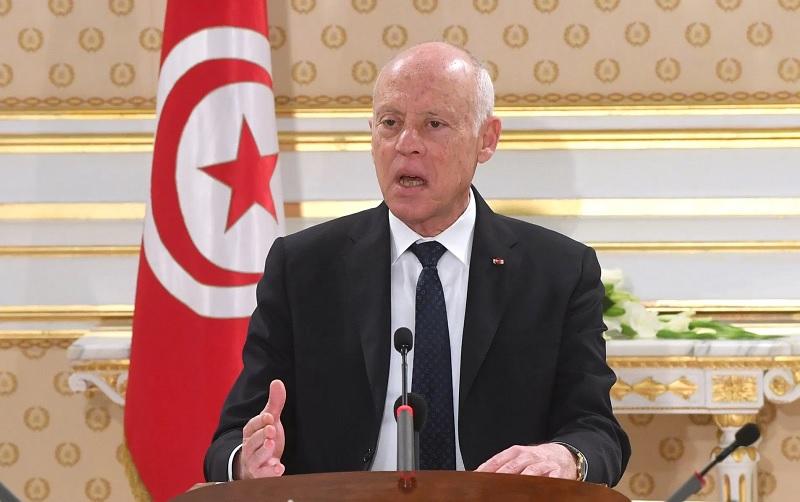 """قيس سعيّد: """"كلما زادت النصوص في تونس إلا وازداد معها اللصوص"""""""