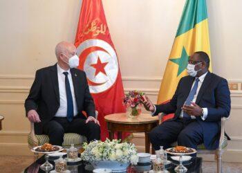 رئيس الجمهورية يدعو إلى التوزيع العادل للقاحات ومعالجة الديون الإفريقية