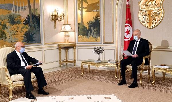 قيس سعيد يتسلم رسالة خطية من الرئيس الانتقالي لجمهورية مالي