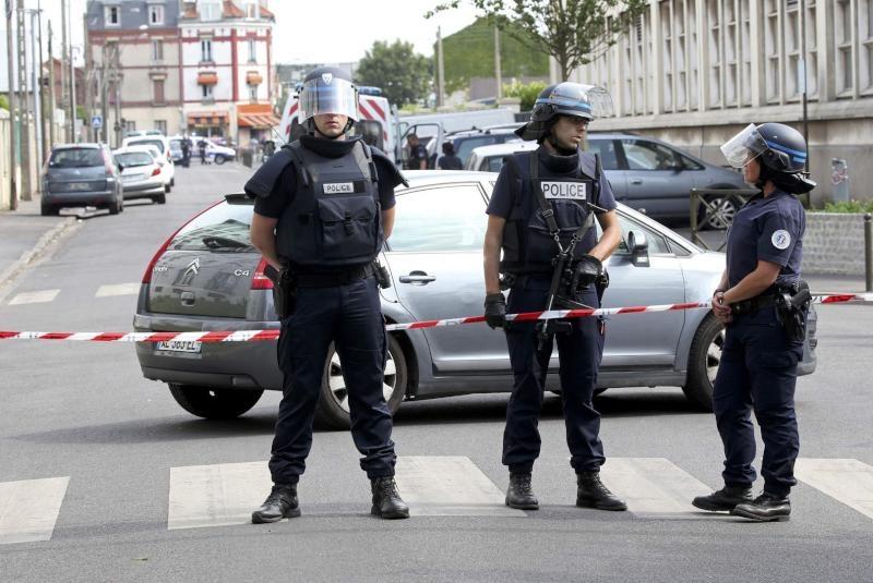 إخلاء مدرسة في مدينة ليل الفرنسية بعد إنذار بوجود قنبلة