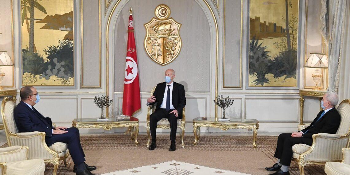"""رئيس الجمهورية:  """"مايقع في تونس غريب… و نحن دولة و لسنا مجموعة عصابات"""""""
