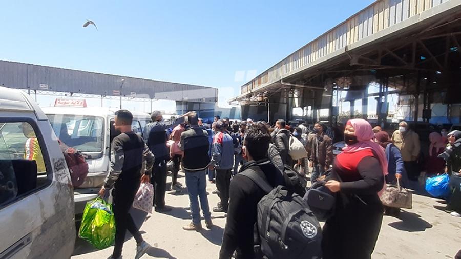 عضو اللجنة العلمية: ما وقع في محطات النقل كارثة..و التونسي مطالب بالتضحية