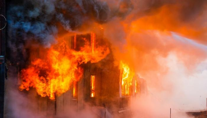 مقتل 3 أشخاص بحريق فندق في موسكو