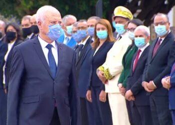 رئيس الجمهورية يشرف على موكب الاحتفال بعيد الجيش