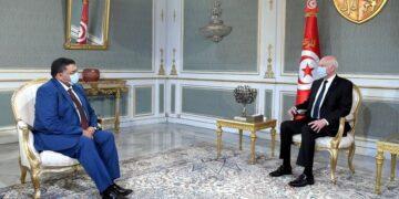 """قيس سعيد :""""يجب أن يشارك الشباب في الحوار الوطني """""""