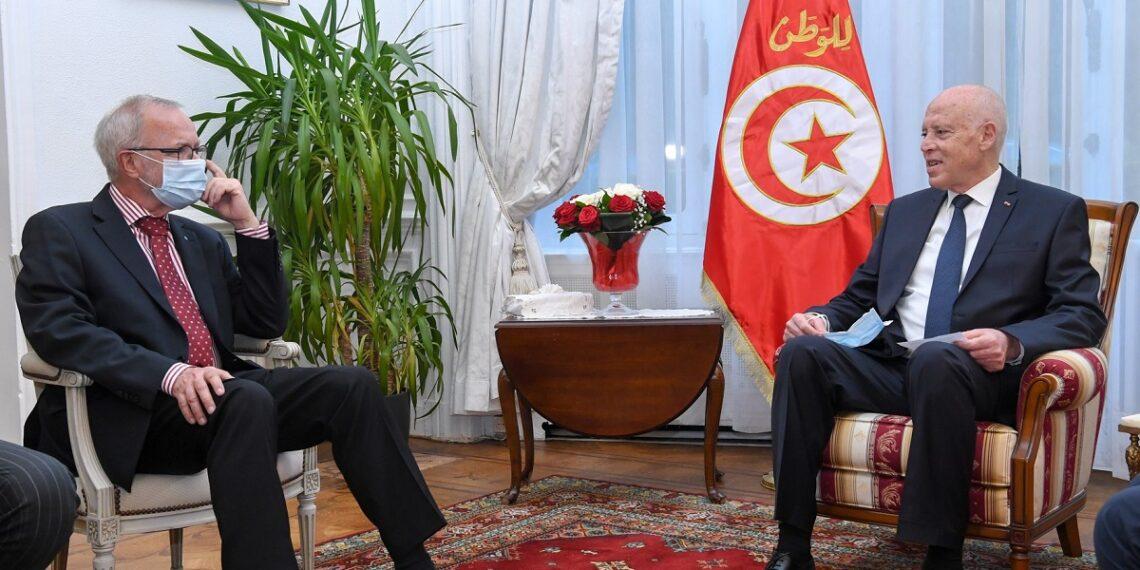سعيد لرئيس البنك الأوروبي للاستثمار: نتطلع لمساهمة البنك في تمويل مشاريع كبرى في تونس