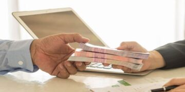 تفاصيل القروض المصادق عليها بالبرلمان: كم اقترضنا و كم سنسدد؟